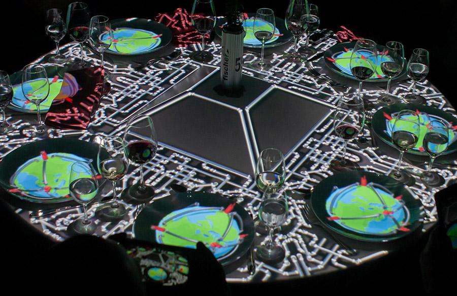 Tischprojektion_50_Jahre_Fischer_pong_li_s3