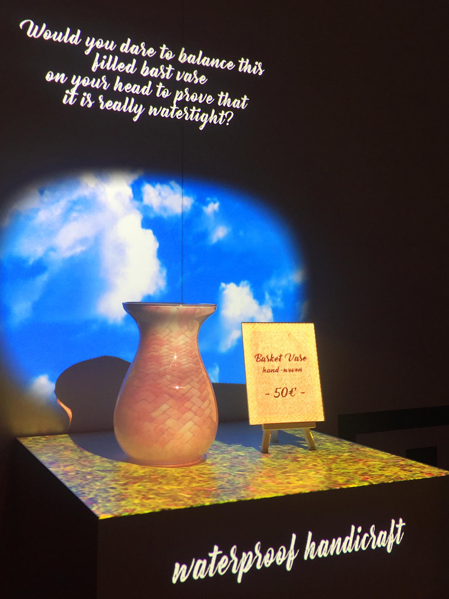 Sneaker_Vase_Projection_pong_li_4